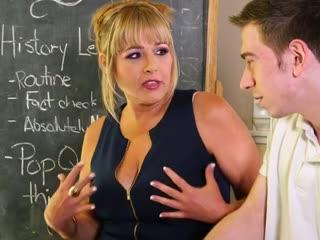 Milf Jessica Drake gönnt sich nen fetten Schwanz